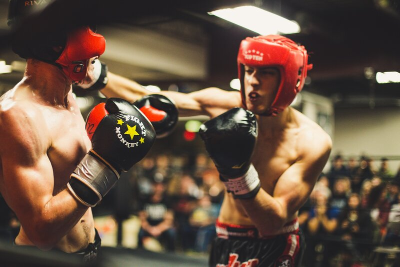 Boxers testing the best boxing mouthguard